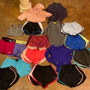 Women NIKE 17pcs bundle!❤️💛💜 Send offers!